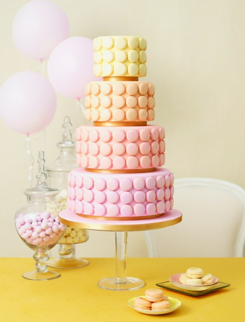wedding cake macarons